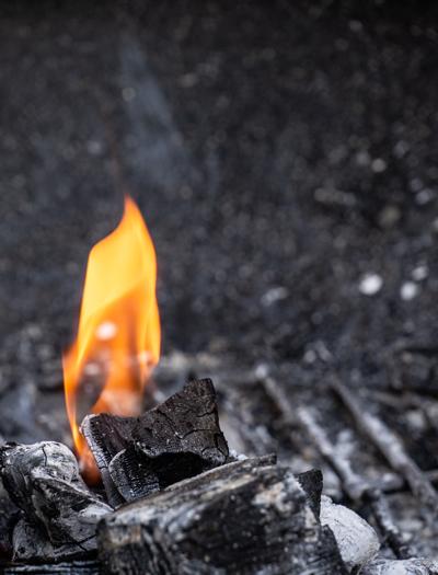 houtskool wat brand