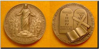 Medaile darovaná papeži Pavlu VI skrze zástupce Církve Adventistů sedmého dne, B.B. Beach