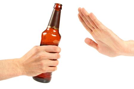 odmítá alkohol