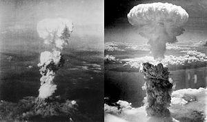 Atomová bomba hub mraky nad Hirošimě (vlevo) a Nagasaki (vpravo)