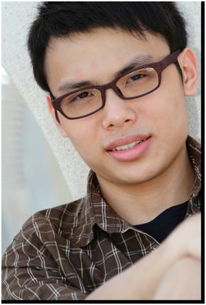 pemuda berkacamata