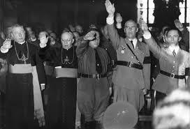 Uskup Katolik memberikan salut Nazi