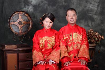 Pasangan pengantin Cina