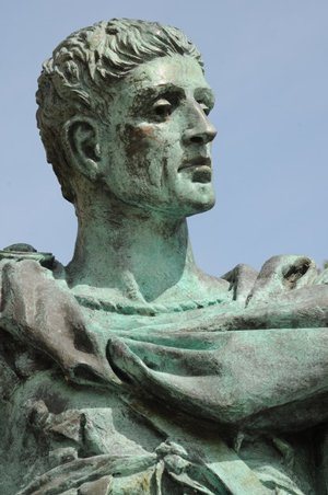 https://media.worldslastchance.com/images/2015/05/04/18729/constantine-statue-face-1.jpg