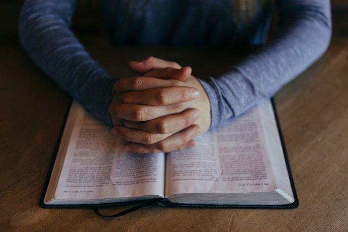 الصلاة مع الكتاب المقدس