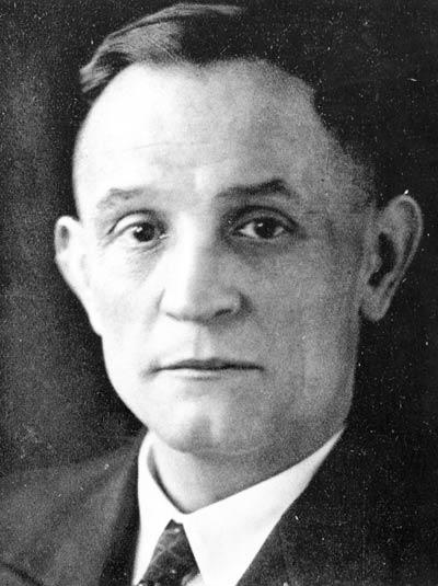 Friedrich Gustav 에밀 마틴 니몰러