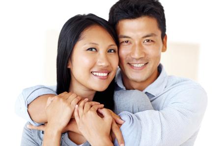 행복한 아시아 커플