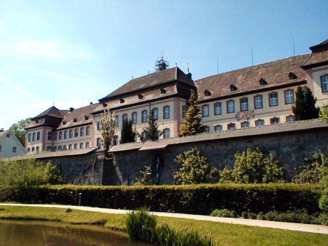 St. Petrus Klooster in Freiberg, Duitsland, waar Michael Sattler tot die rang van kloosterhoof bevorder is.