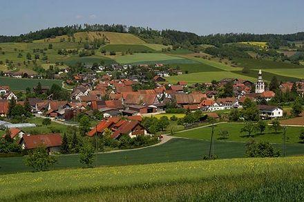 Die dorpie Schleitheim, noord van Zurich digby die Duitse grens.