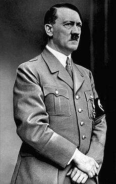Hitler kakamantene abu Jesuiti