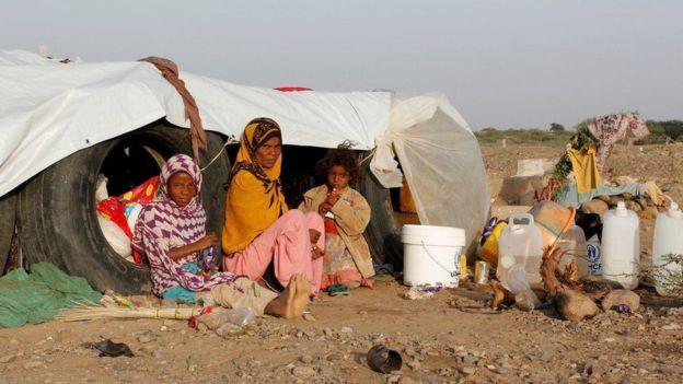 لاجئون يمنيون في مخيم